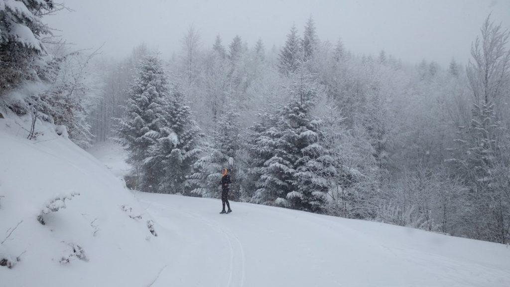 M. i śnieżyca na Mogielicy