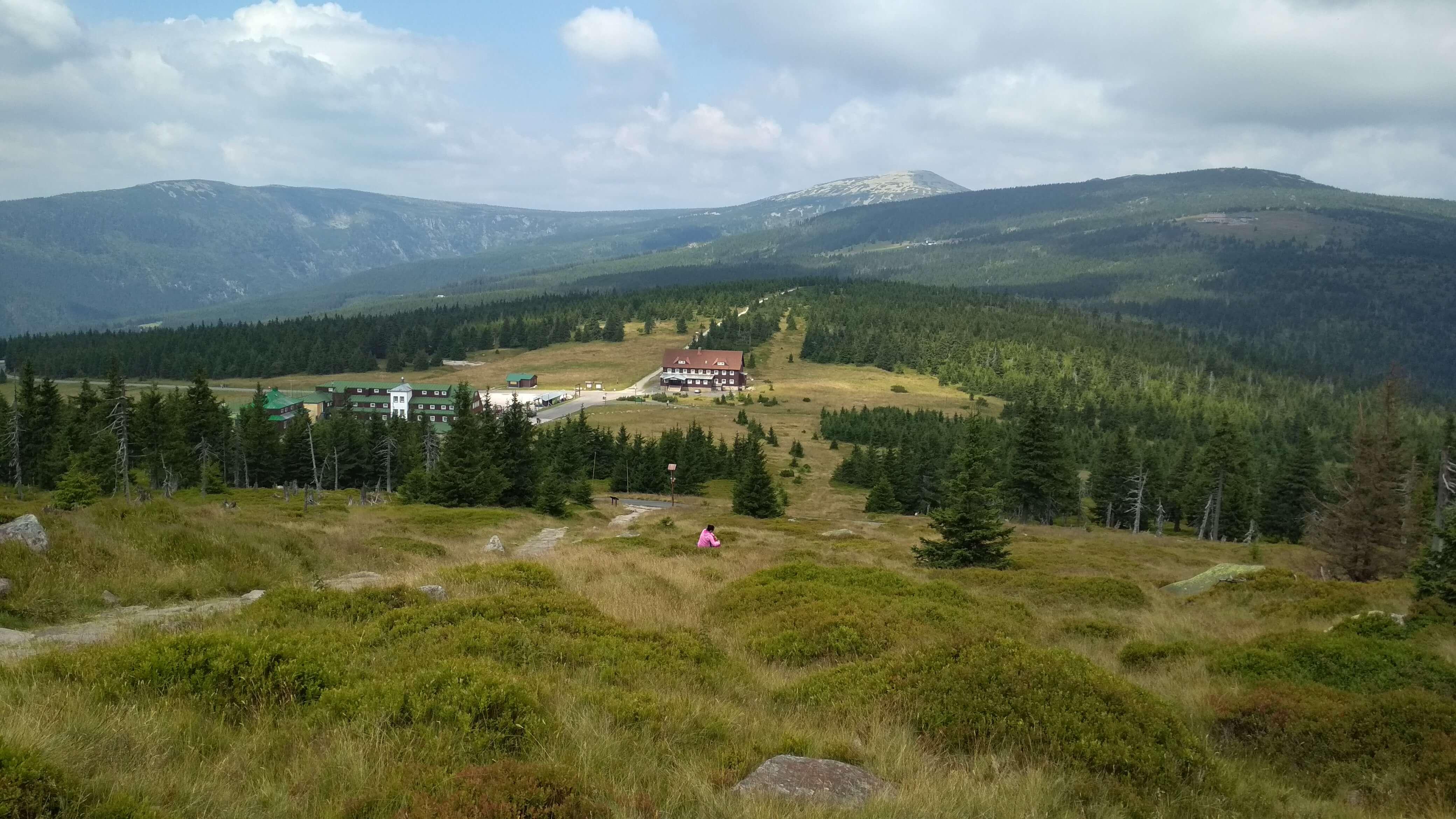 Widok na Przełęcz Karkonoską