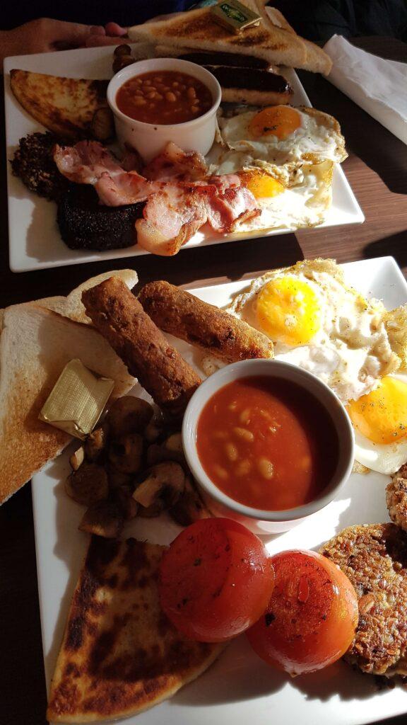 Szkockie śniadanie - tradycyjne i wegetariańskie